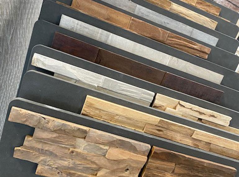 Heinks Ausstellung Holzstrukturen